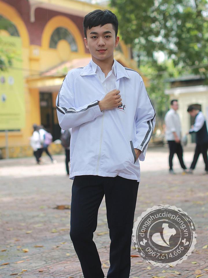 Đặc điểm ưu việt của áo khoác gió đồng phục