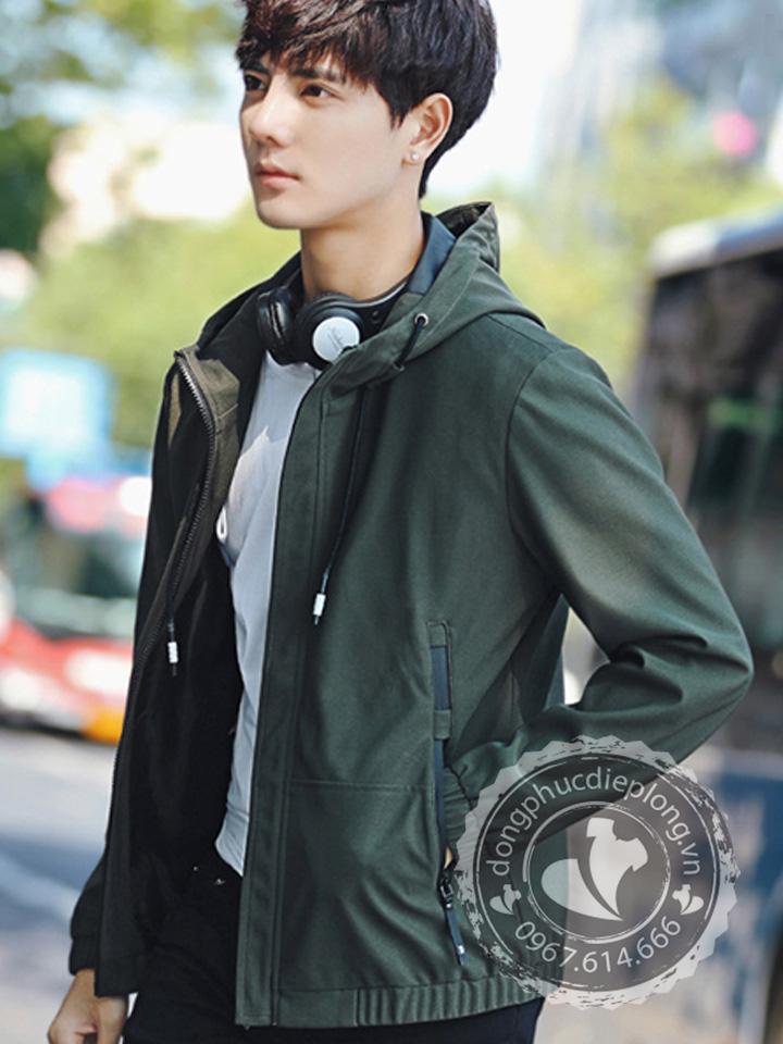 Công dụng của áo khoác gió đồng phục mang đến cho người mặc