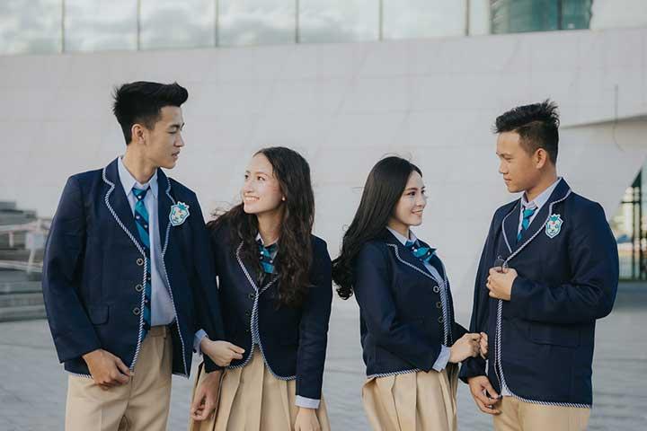 Đồng phục học sinh cấp 3 theo phong cách Hàn Quốc