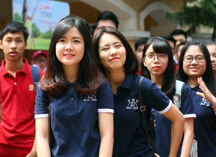 xuong-may-dong-phuc-hoc-sinh