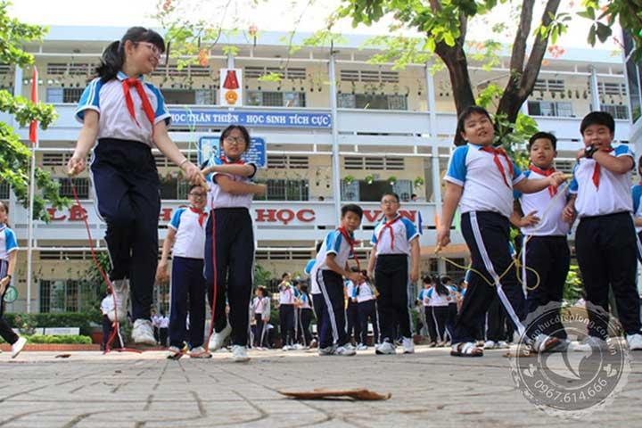 dong-phuc-cap-2