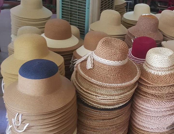 Mẫu mã, thiết kế của những chiếc mũ đi biển này thế nào?